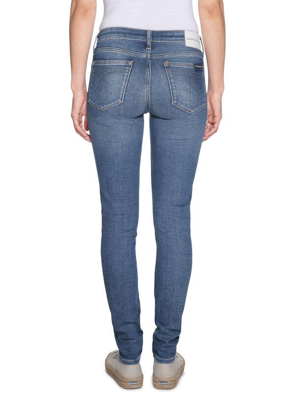 CKJ 011 Jeans