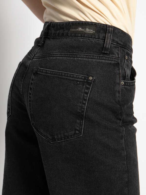 Lia Jeans